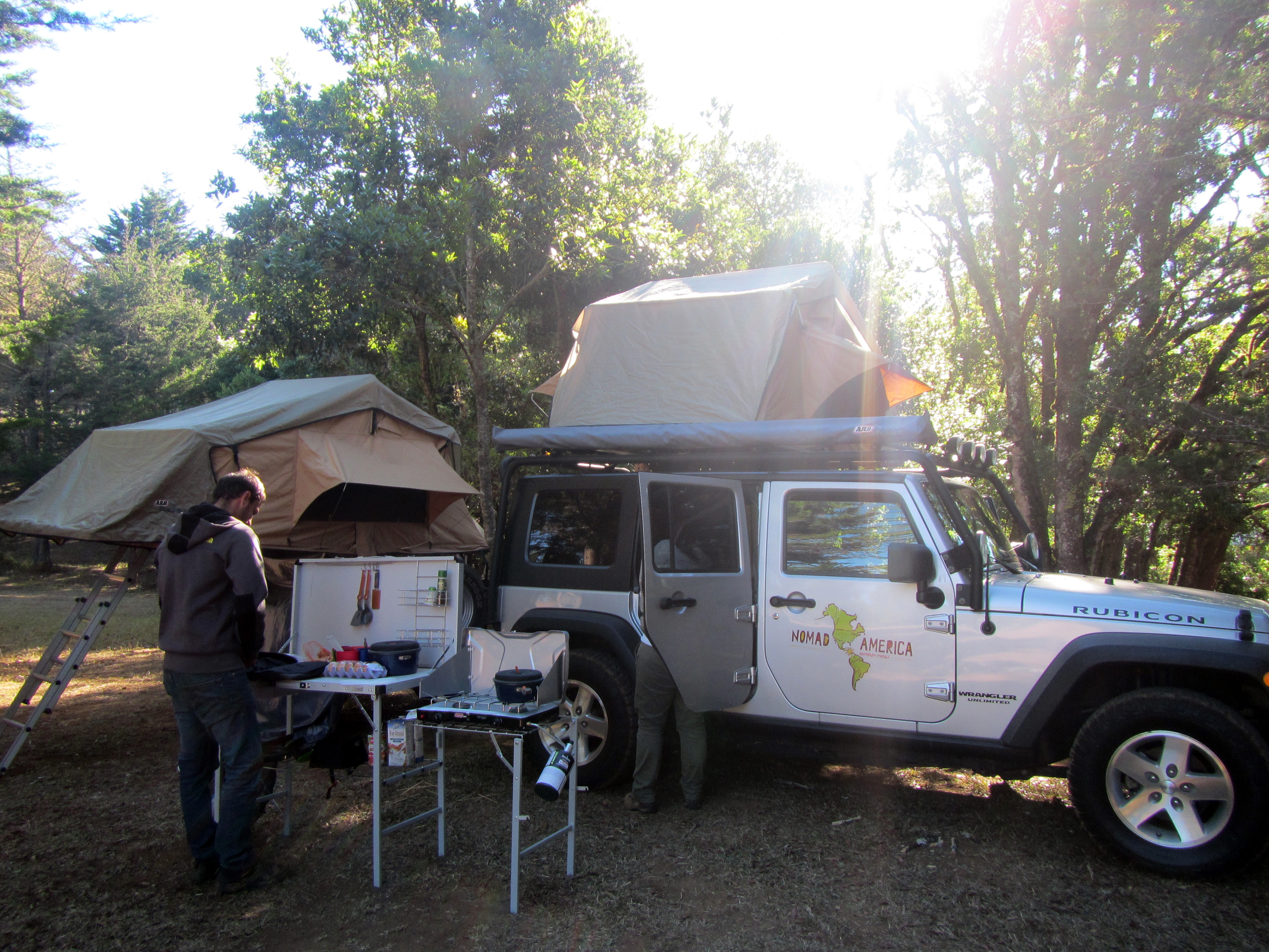 Jeep Wrangler Rooftop tent Costa Rica & Jeep Wrangler Rooftop tent Costa Rica | Jeep Rentals - Jeep Tours ...
